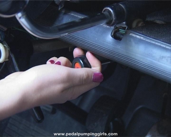 Citroen Cv Cranking Ente Pink Pumps Screenshots